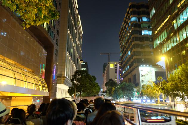 オープントップバス_&_ビクトリアピーク夜景鑑賞ツアー_前編_ミレニアムホテル前